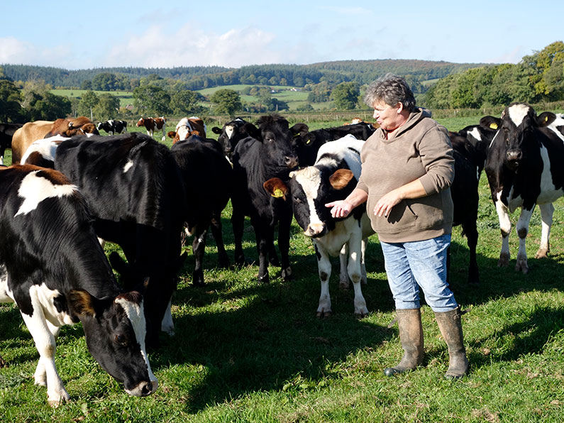 Sue Morgan with her girls Simply Raw Milk